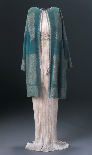 Delphos dress and Velvet evening cloak of the 1920s by Mariano Fortuny