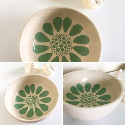 Mint Daisy Pinch Pot