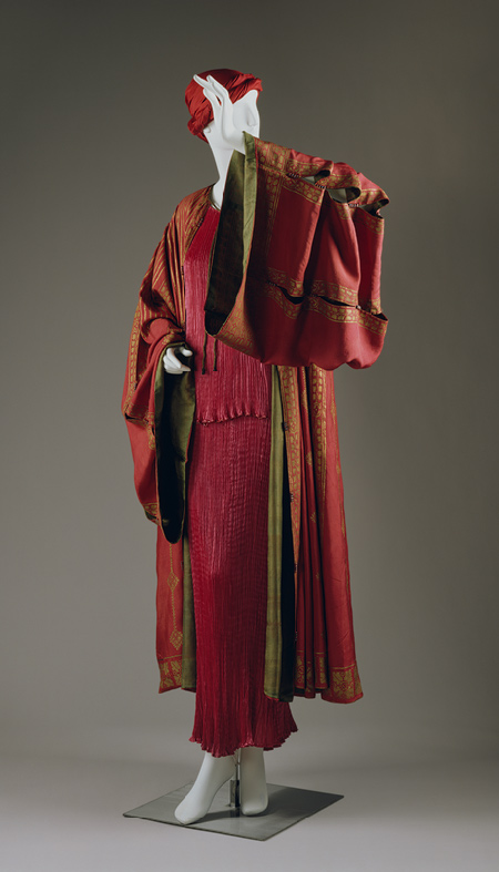 Stenciled rose silk dressing gown by Mariano Fortuny